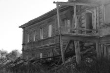 Соловки. Разрушенное здание Свято-Сергиева скита на острове Большая Муксалма