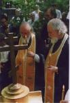 2002, на могилке о.Всеволода Шпиллера