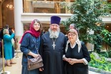 О. Настоятель с Д.Рузиной и Е.Ивановой